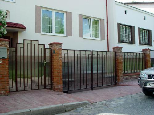 В`їзні ворота. Стулкові ворота